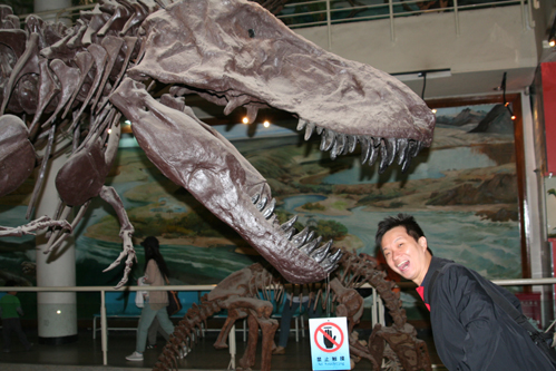 T-Rex dines in Machete.