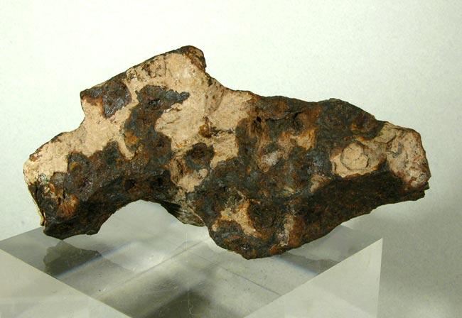 Odessa, Iron, USA 704g; Sold.